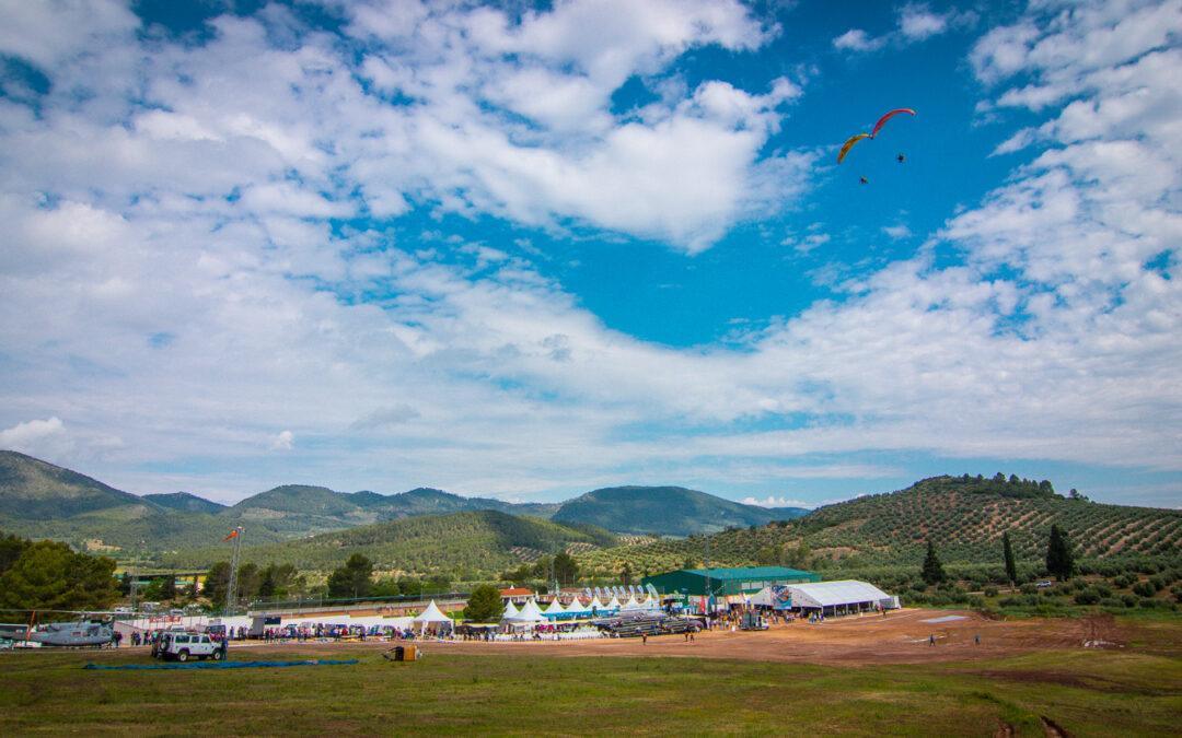 """El XX Festival Internacional del Aire """"El Yelmo"""" se celebrará entre el 31 de mayo y el 2 de junio"""