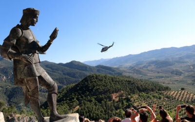"""El XX Festival Internacional del Aire """"El Yelmo"""" comienza con exhibiciones del helicóptero AB 212 de la Armada"""